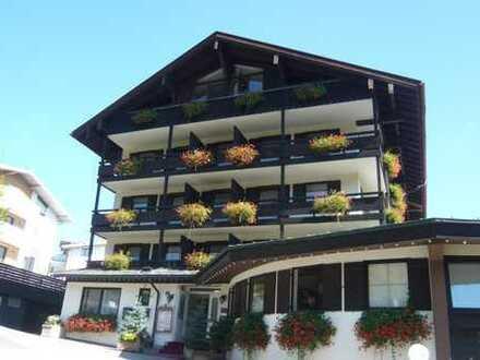 Berchtesgaden: Hotel-Apartment mit Tiefgaragen-Stellplatz auf hohem Niveau in bester Lage