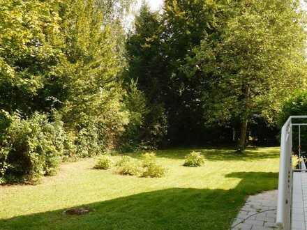 Gräfelfing: Einfamilienhaus mit großem Garten in ruhiger Lage zu vermieten