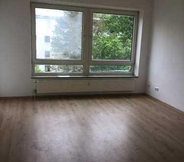 Erstbezug nach Renovierung! Schöne 2 Zimmerwohnung mit Balkon!