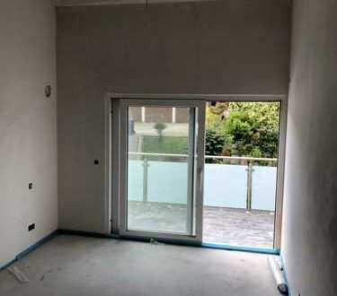 Luftige 2-Zimmer-Wohnung mit hohen Räumen und schönem Balkon