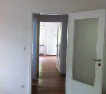Schöne, gut geschnittene und zentralgelegene 2-Zimmer Wohnung in Niehl