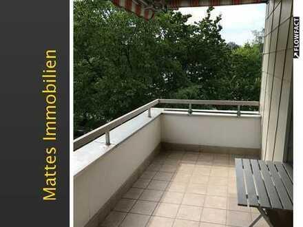 Schöne 3-Zi.-Wohnung mit Balkon u. Aufzug im Haus