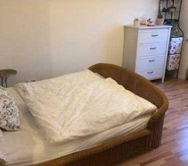 Nachmieter/in in 2er WG gesucht, geräumige Wohnung voll eingerichtet, nahe OEZ;)