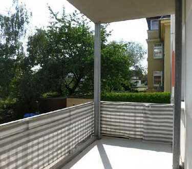 Ruhige Nebenstraße - riesiger Süd-Balkon
