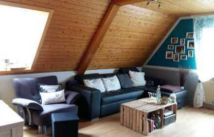 Sanierte 3-Zimmer-DG-Wohnung mit Einbauküche in Loßburg / Lombach