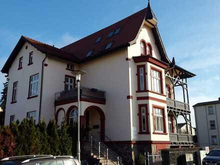 Sanierte Altbauwohnung im Villenviertel zu vermieten!