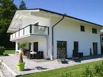 Großzügig, neu, elegant: Phantastisches Einfamilienhaus in Seeshaupt mit Traum-Grundstück