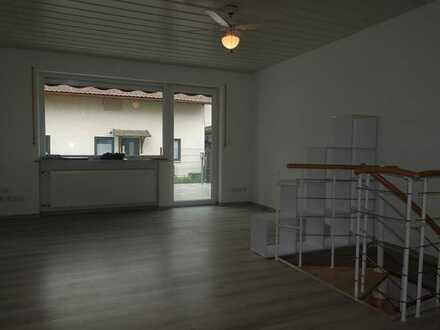 Maisach zentrale Lage - 3 Familienhaus - 2 Whg. leer - 1 Whg. vermietet - renoviert - guter Zustand