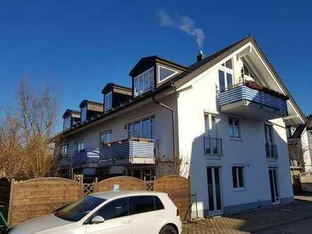 Exklusive, helle und neuwertige 2-Zimmer-Wohnung mit Balkon und EBK in Gilching