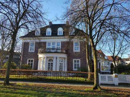 Exklusiv Wohnen in Schwachhausen: 4-Zimmer in historischer Villa