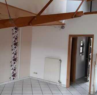 Gepflegte 1-Raum-EG-Wohnung mit Einbauküche in Fürfeld