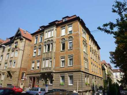 Schöne Dachgeschosswohnung am Bismarckplatz, Denkmalschutz! Ausbaufähig!
