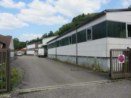 Produktionshalle mit Lagerflächen, Büros und Sozialräumen