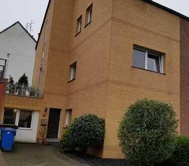 Helle 2-Zimmer-Wohnung mit Einbauküche in Mönchengladbach