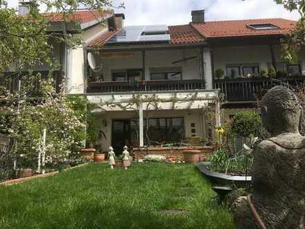 Schönes, geräumiges RMH 4 Zimmer 2 Bädern, große Pergola, Sauna in Puchheim (Kreis Fürstenfeldbruck)