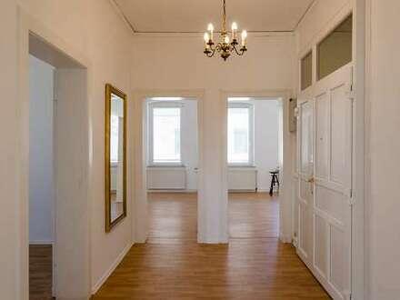 Altbauwohnung in Bielefeld - City! Für 1-2 Personen - Neue Einbauküche - 5min bis zum Jahnplatz