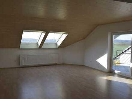 Sehr helle und ruhige 3 Zimmer-Wohnung in Ortsrandlage