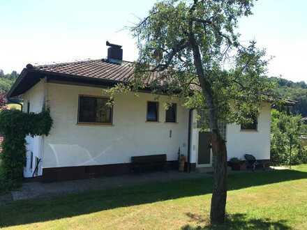 Gepflegte 4-Raum-Wohnung mit Balkon und Einbauküche in Ober-Mumbach