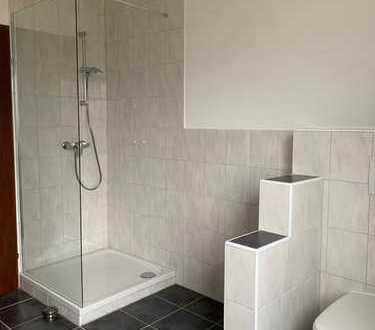 Erstbezug nach Sanierung: schöne 4-Zimmer-Wohnung mit Balkon in Niederwerrn