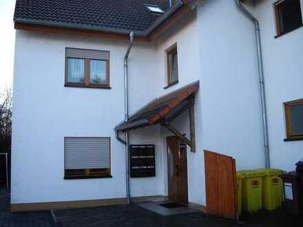 Von Privat: Schöne, gemütliche 3 ZKBB Wohnung in Nackenheim