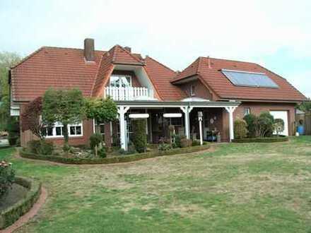 Anspruchsvolles, topgepflegtes Einfamilienhaus mit großem Grundstück in ruhiger, zentraler Wohnlage