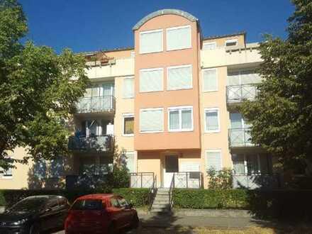 ZWANGSVERSTEIGERUNG - Apartment mit Terrasse und Stellplatz