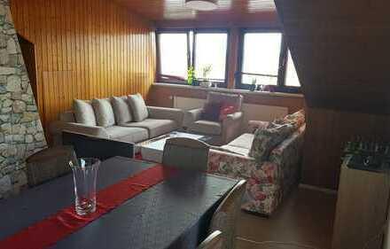 Stilvolle, vollständig renovierte 2,5-Zimmer-Wohnung mit Balkon in Stutensee