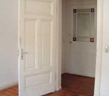 Schöne Altbau 4-Zimmer-Wohnung mit Balkon und EBK in Wuppertal
