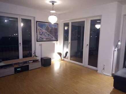 NUR IM TAUSCH! Stielvolle 2-Zimmer-Wohnung mit Balkon und Einbauküche in Barmbek-Nord, Hamburg