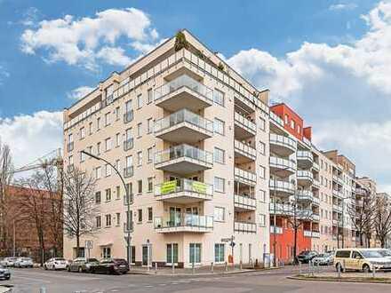 BERLIN-CHARLOTTENBURG: 3-ZIMMER-PENTHOUSE MIT GROßER SÜDTERRASSE UND BLICK AUF DAS RATHAUS