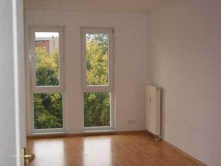 geräumige 3-Raum-Wohnung mit Südbalkon