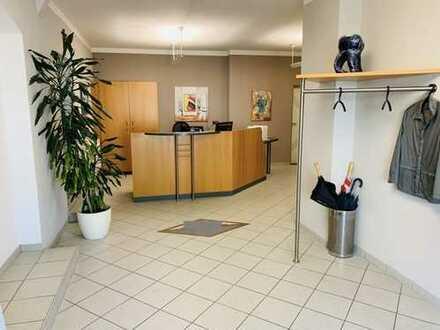 Vielseitig nutzbare Büro-/Praxis-/Dienstleistungsfläche in Kolbermoor - ideal als (Dental-)Labor ode