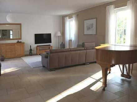 Möblierte 3-Zi.-Gartenwohnung mit Büro, 2tem Bad und Gästezimmer im Kellergeschoss - Feldmoching