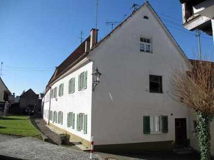 Großes Ein-/Zweifamilienhaus mit Potential in Friedberg-Stadt