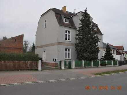 Mehrfamilienhaus mit 3 Wohneinheiten und großem Garten