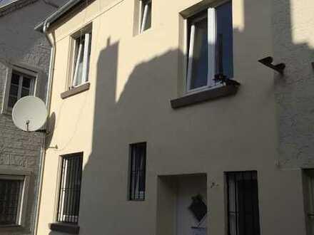 2-Familienhaus mit Ladengeschäft bereits Aufgeteilt