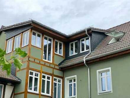 BESONDERS WOHNEN! Helle, moderne Dachgeschoss-Wohnung - Erstbezug nach Kernsanierung
