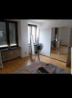Ansprechende 4-Zimmer-Wohnung mit Balkon in Mannheim