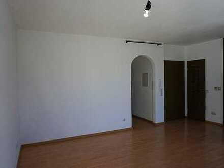 Gepflegte 2-Zimmer-DG-Wohnung mit Balkon und EBK in Miltenberg (Kreis)