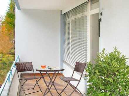 Oberursel: Angenehmes 2 Zi. Apartment mit Parkett & Balkon - hervorragend angebundene Wohnlage