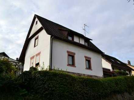 Einfamilienhaus mit schönem Grundstück in Staufenberg !