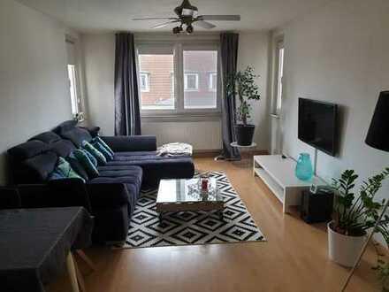 Helle 3 Zimmer Wohnung mit Balkon im Zentrum Südstadt
