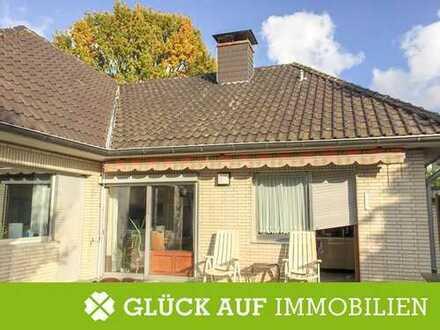 Ein- oder Zweifamilienhaus in exponierter Lage von Köln Widdersdorf
