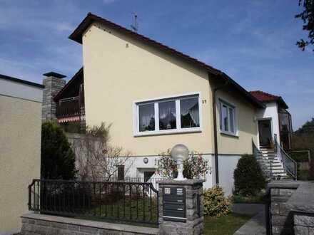 Würzburg-Oberdürrbach: 3,5 Zimmer-Wohnung am Bebauungsrand. Sehr ruhig und doch stadtnah