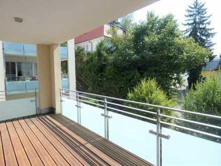 großzügige, gehobene 3-Zimmer Wohnung im 2.Obergeschoss, 1 TG-Stellplatz, zentral in Baden-Baden, de