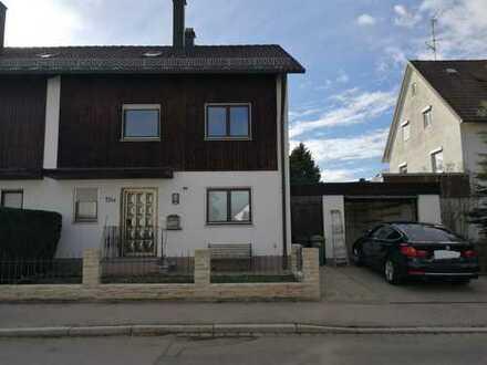 Gepflegte Doppelhaushälfte mit sechs Zimmern und Wintergarten in Kaufbeuren, Neugablonz