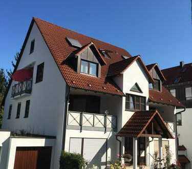 Schöne Maisonette-Wohnung mit 5 Zimmern, Balkon und Garage