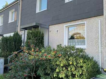 Reihenmittelhaus mit vier Zimmern, Garten und Garage in Volkmarode.