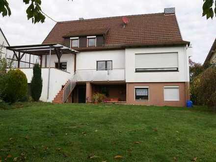 EG in 2 Familien Haus mit überdachter Süd-Terrasse und großem Garten