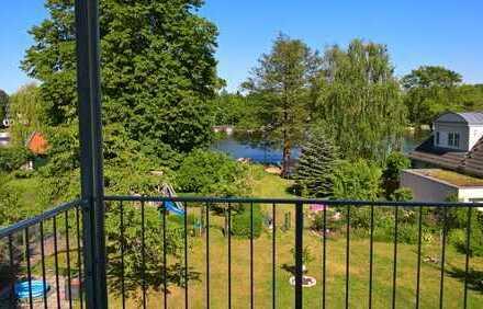 Sonnige Wohlfühlwohnung mit Wasserblick und Balkon